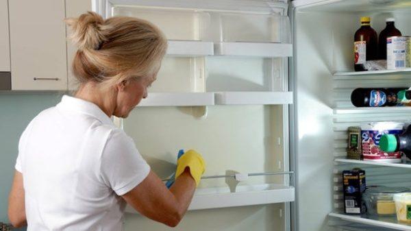 Nettoyage au réfrigérateur