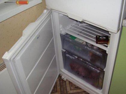 Disposition gênante de la porte du réfrigérateur