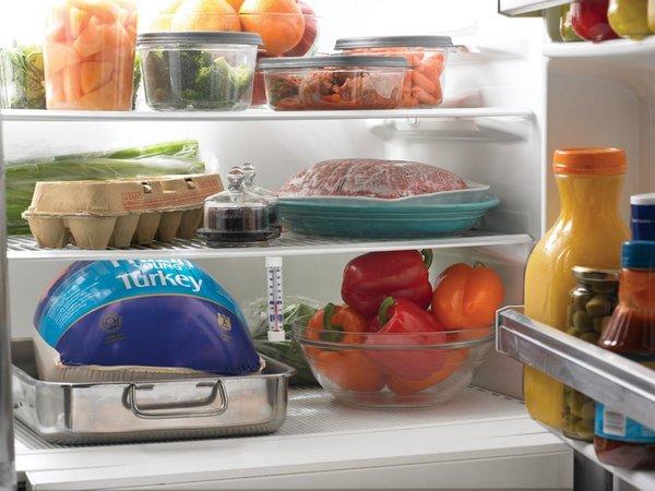 Buzdolabında yemek