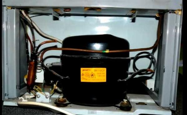 Réfrigérateur à un compresseur