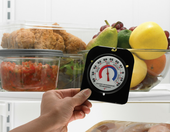 Buzdolabı oda termometresinde sıcaklık ölçümü