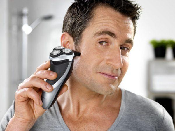 Elektrikli Tıraş Makinesi Tıraş İşlemi