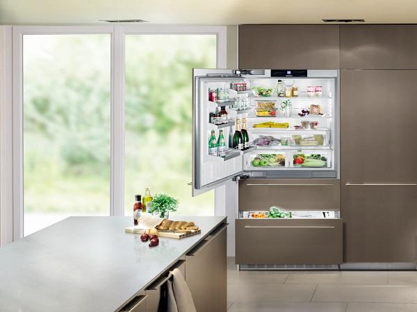 İç kısımda buzdolabı