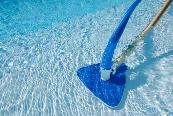 수영장 청소