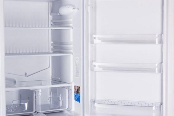 Comment éliminer l'odeur désagréable dans le réfrigérateur?