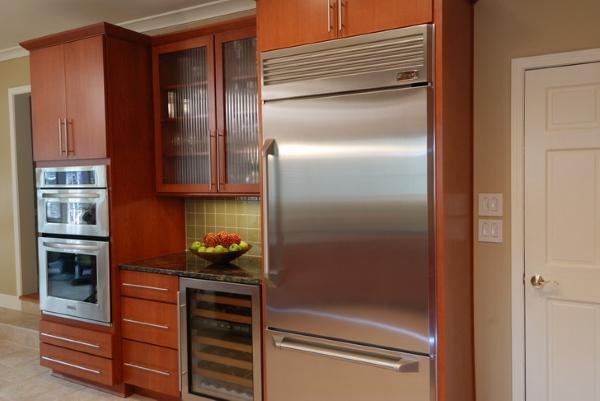 Réfrigérateur partiellement intégré