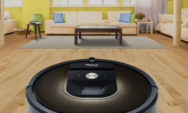 Aspirateur IROBOT Roomba 980 dans l'appartement