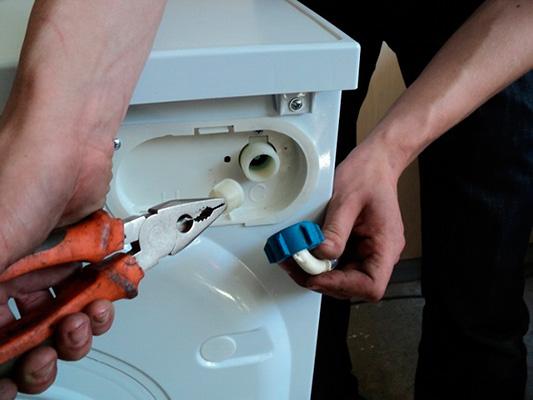 Remplacement de la soupape d'admission de la machine à laver