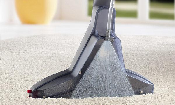 Aspirateur de tapis
