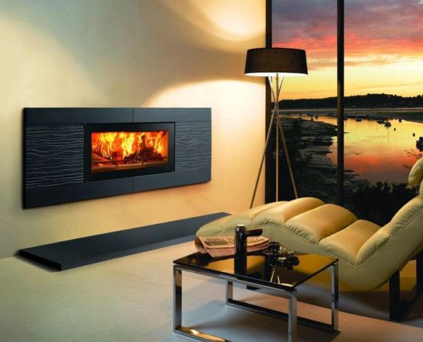 Foyer électrique mural avec imitation de feu réel