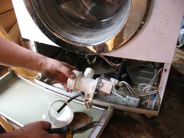 Pompe dans la machine à laver