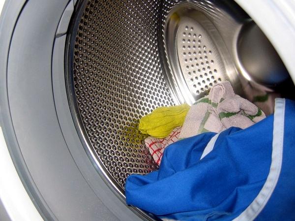 Çamaşır makinesinde iç çamaşırı