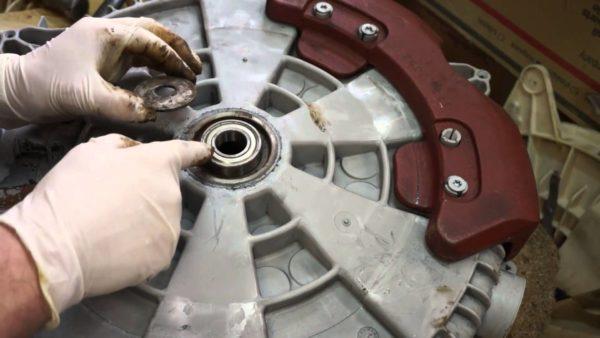 Remplacement des roulements du tambour de la machine à laver