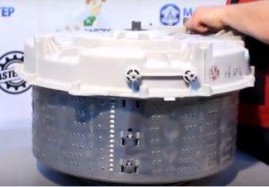 Démontage du tambour de la machine à laver
