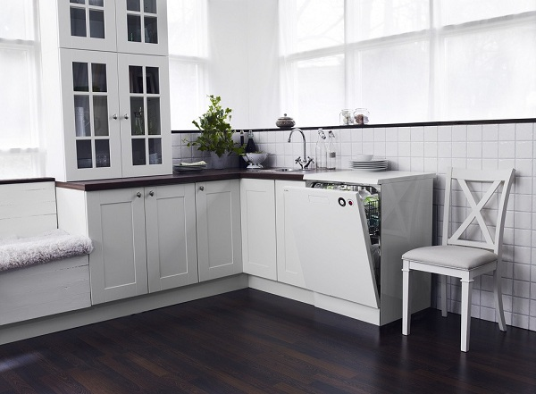Lave-vaisselle intégré dans la cuisine