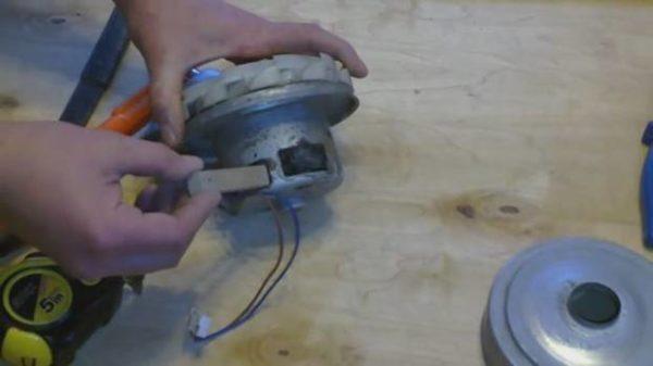 Rotoru sıkıştırmak için çubuklar