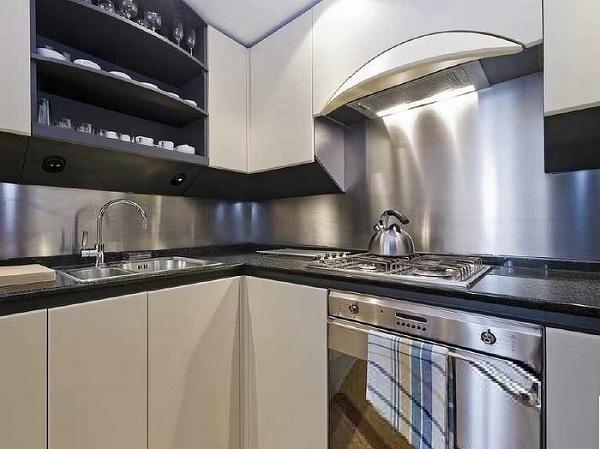 Stekeovn på kjøkkenet