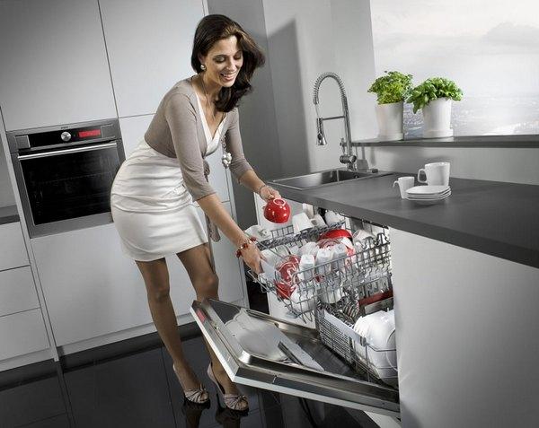 Lave vaisselle dans la cuisine