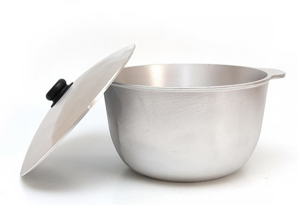 Casserole en aluminium