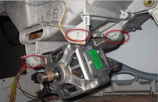 Retrait du moteur de la machine à laver