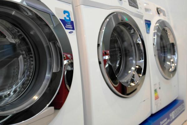 Beliebt Die Abmessungen der Waschmaschine: Höhe, Breite, Tiefe GT92