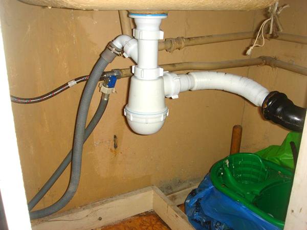 Siphon pour machine à laver