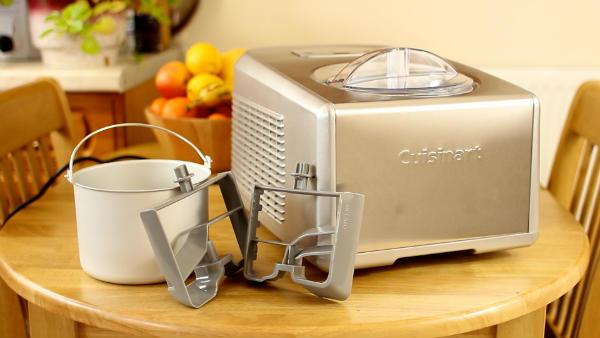 Dondurma makinesi, kase ve bıçaklar