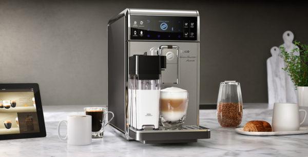 Mutfakta kahve makinesi