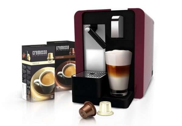 Latte dans une machine à café