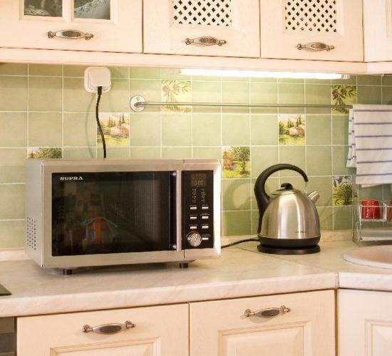 Micro-ondes sur le comptoir