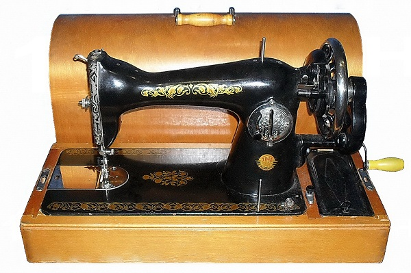 Machine à coudre manuelle