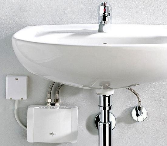 Banyoda su ısıtıcı