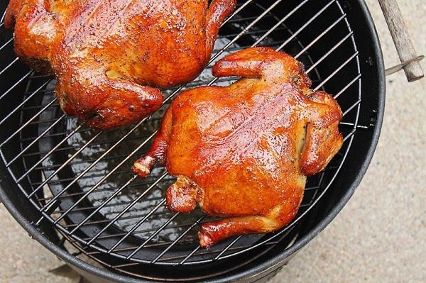 Smokehouse içinde tavuk