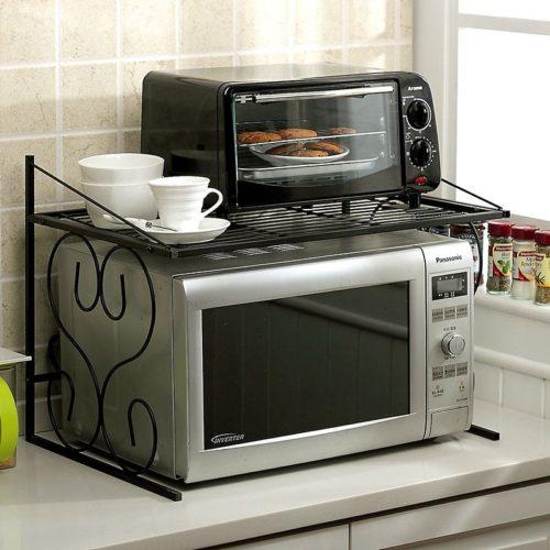Mutfakta küçük mikrodalga