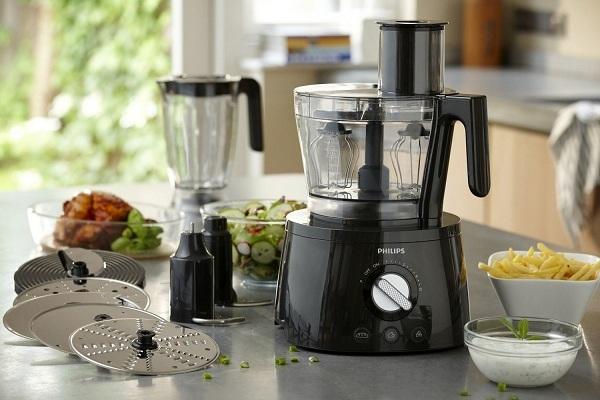 Mutfakta mutfak robotu