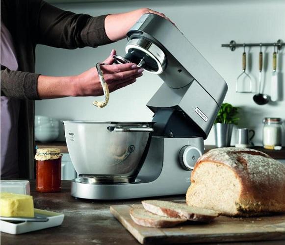 Mutfak robotunun değiştirilebilir nozulu