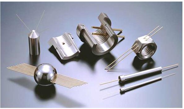 Pièces métalliques micro trou
