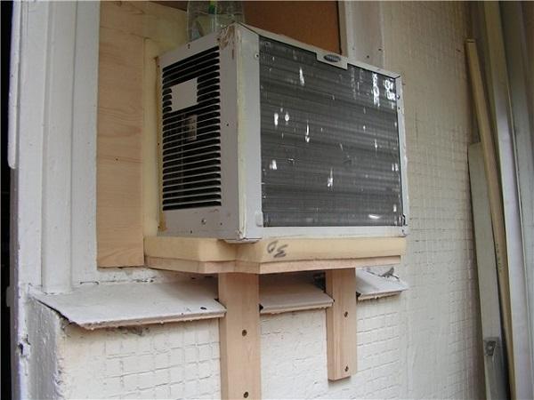 Encadrement climatiseur de fenêtre