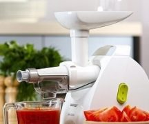Meat mincer with juicer function