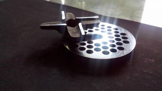 Knife and grinder grinder