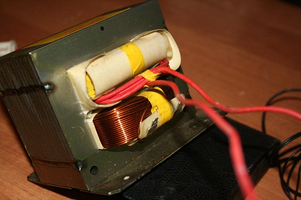 Transformateur hyperfréquence