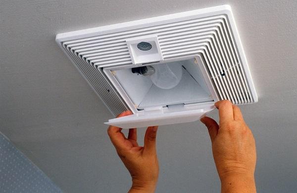 Fan with motion sensor