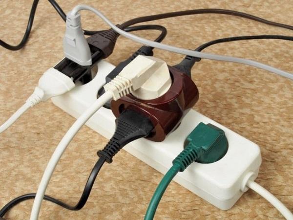 Allumage simultané de plusieurs appareils électriques