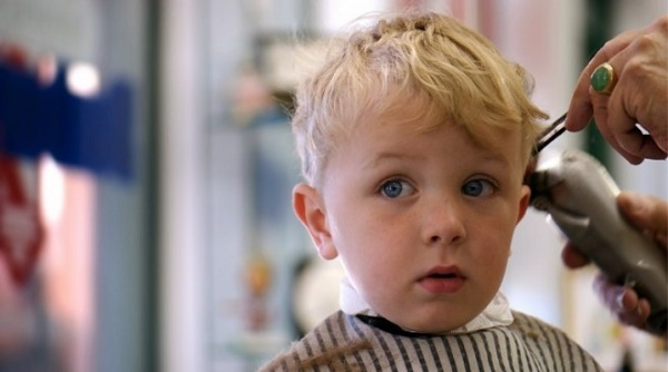 Bebek saç kesim