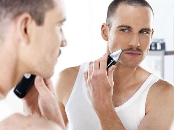 Tondeuse à moustache