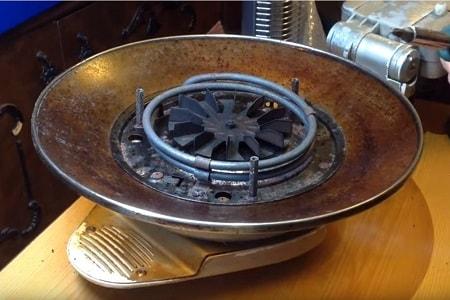 Le dispositif avec le métal TENG