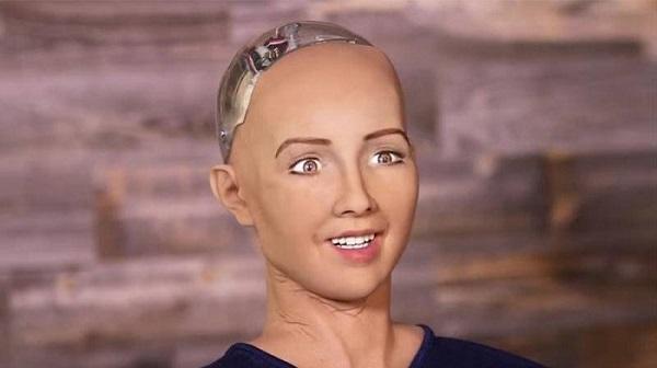 Fille robot