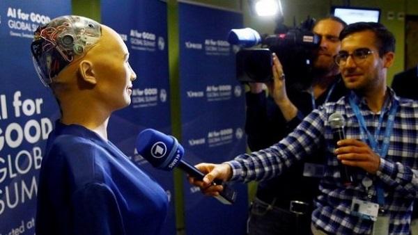 Interview fille robot