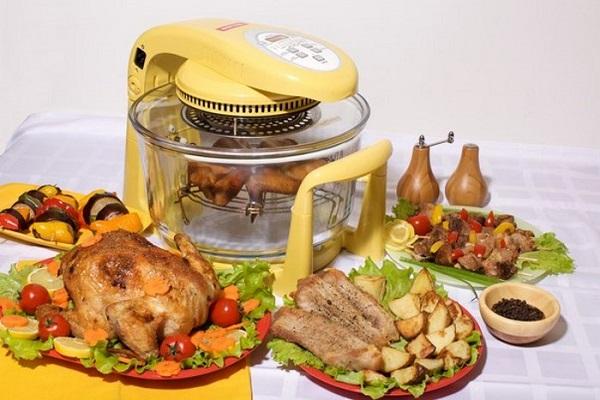 Çeşitli yemekler ve konveksiyon fırın