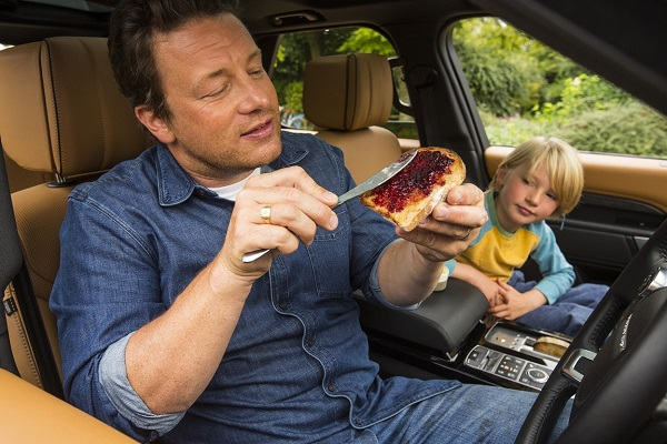 Arabada ekmek kızartma makinesi